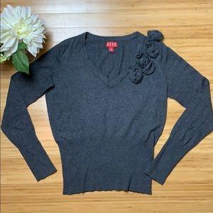 ELLE V-necked Grey Sweater Size Medium